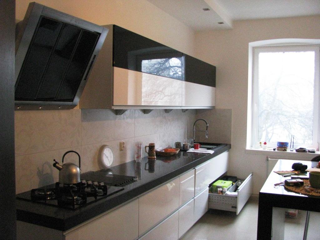 1 Nowoczesna Kuchnia W Kamienicy Szafki Górne I Dolne