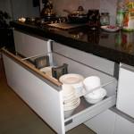 14 nowoczesna kuchnia w kamienicy pojemne i wytrzymałe szuflady