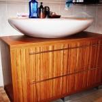 4 meble łazienkowe z frontami ze szkła i aluminium szafka pod zlewem z szufladą