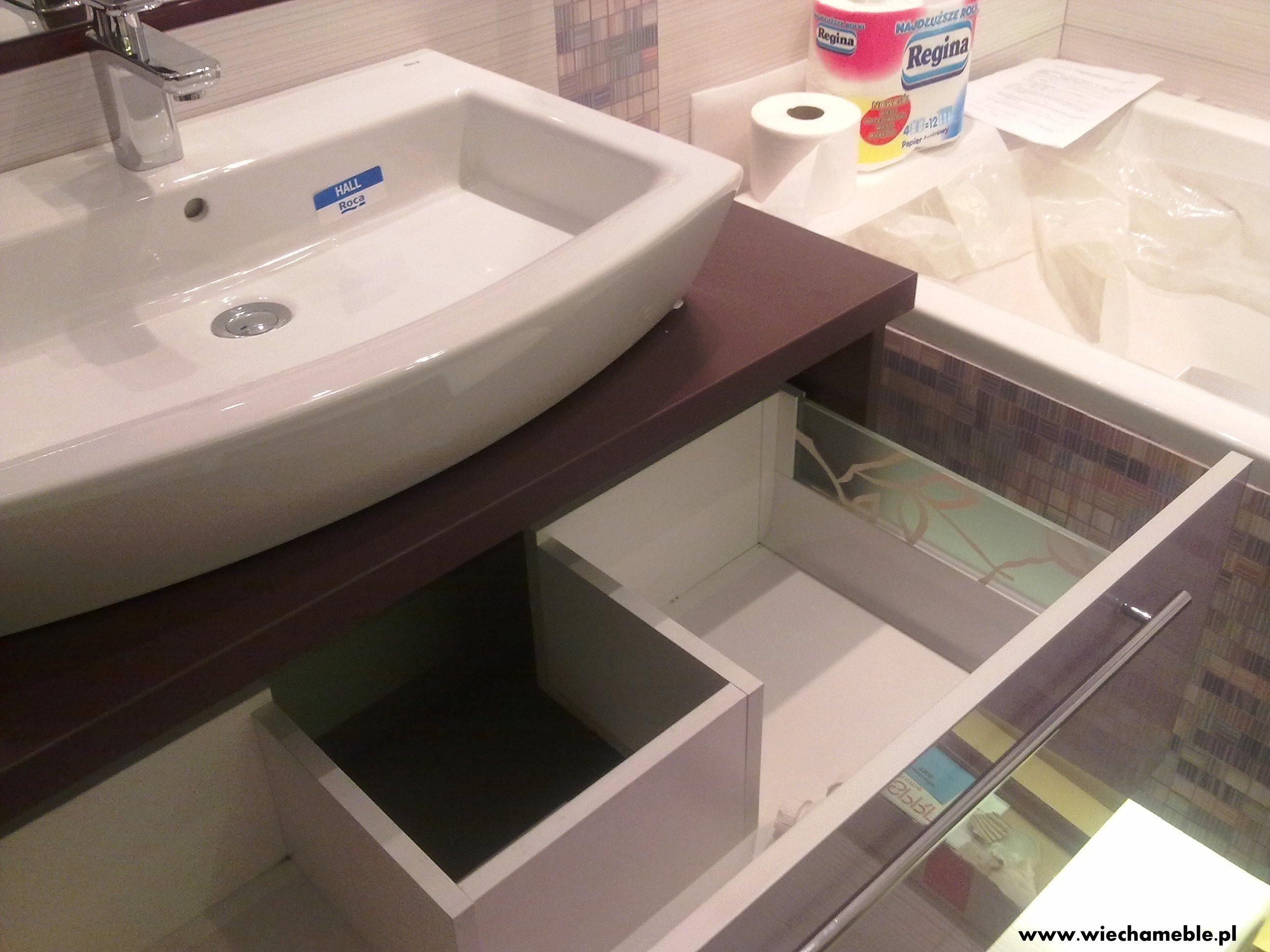 Meble łazienkowe Wykończone Szkłem I Aluminium Wiechameble