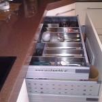 7 meble kuchenne w nowoczesnym stylu szuflady z organizerami